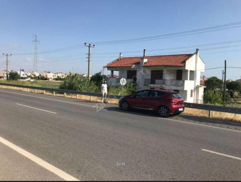 Balıkesir Ayvalık Altınovada Yola Sıfır Satılık Villa İmarlı  420 m2 Arsa Dursunoğlundan