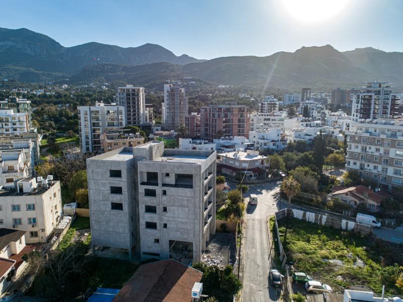 Kıbrıs Girne Merkezde Türk Mahallesinde Harika Konumda Geniş Dükkan
