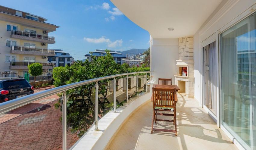 Spacious 1+1 apartment in downtown of Alanya